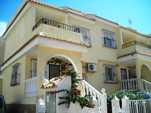 2 bed holiday villa with A/C and WiFi in Gran Alacant near beach