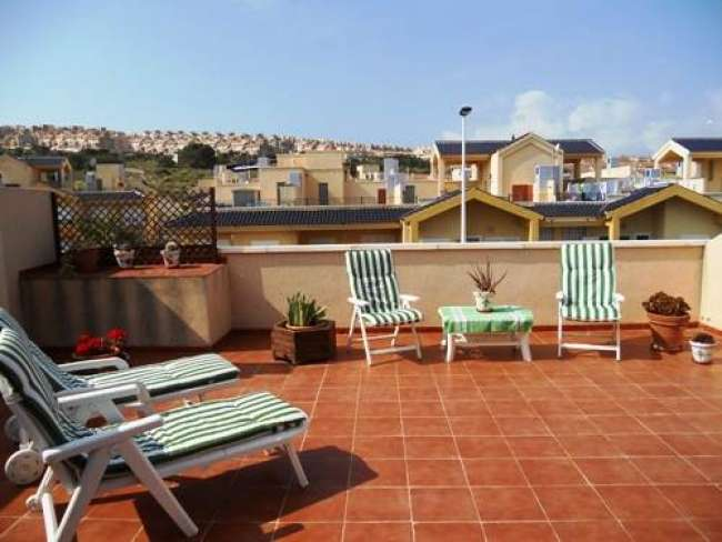 Holiday apartment on Novamar 5 with air-con and WiFi near beach
