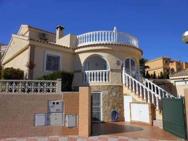 Stunning 3 bed villa with private pool and air-con and WiFi near Alicante